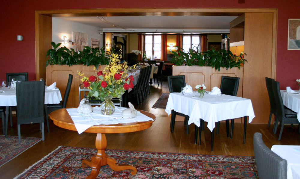restaurant Maison Rouge salle tables