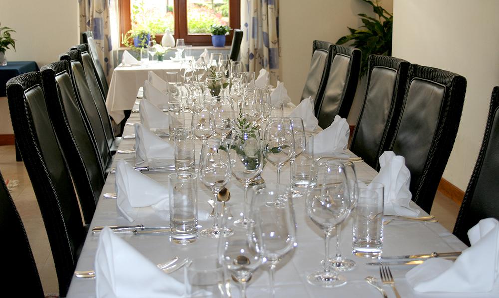 restaurant Maison Rouge Saeul salle table banquet
